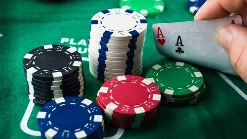 آموزش بازی پوکر چهار کارته