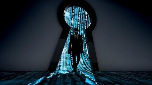 حمله به پایگاه داده سایت